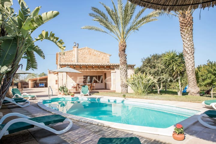 Can Barret, charming villa with private pool