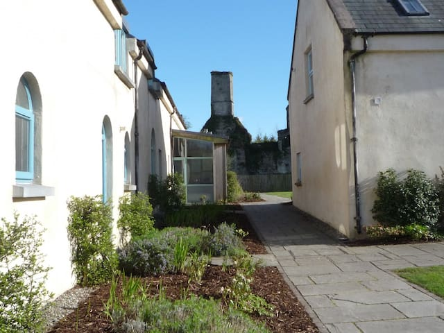 Castlemartyr Holiday Mews' (2 Bed)