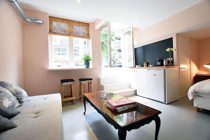 Cozy & quiet studio at Great Location | Private