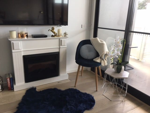 Deluxe Apartment Close to Beach /25 Minutes to CBD