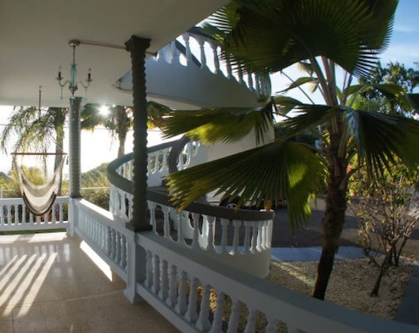 Suite 2 Spacious Private Villa with Pool & Parking - Rincon - Huis