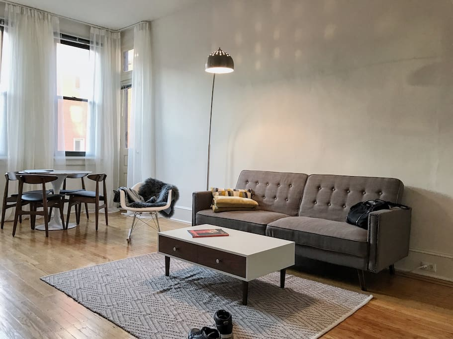 2 Bedroom 2 Bath In The Beating Heart Of Philly