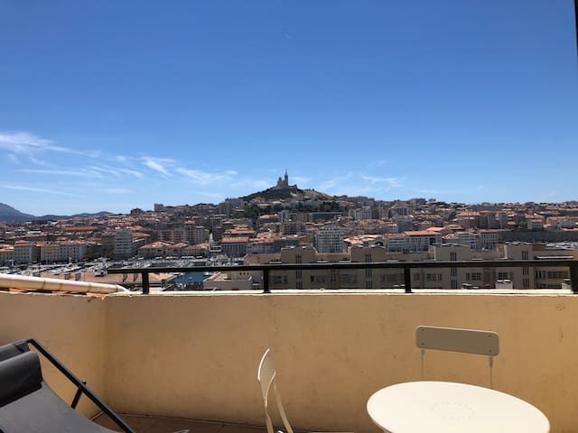 2 Attic rooms N°9 with Terrasse & view port