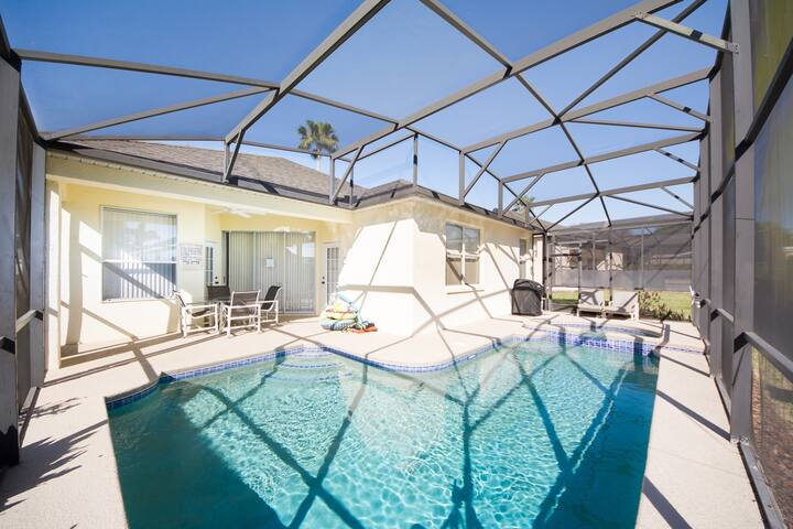5 Bed Disney Area Vacation Pool Home