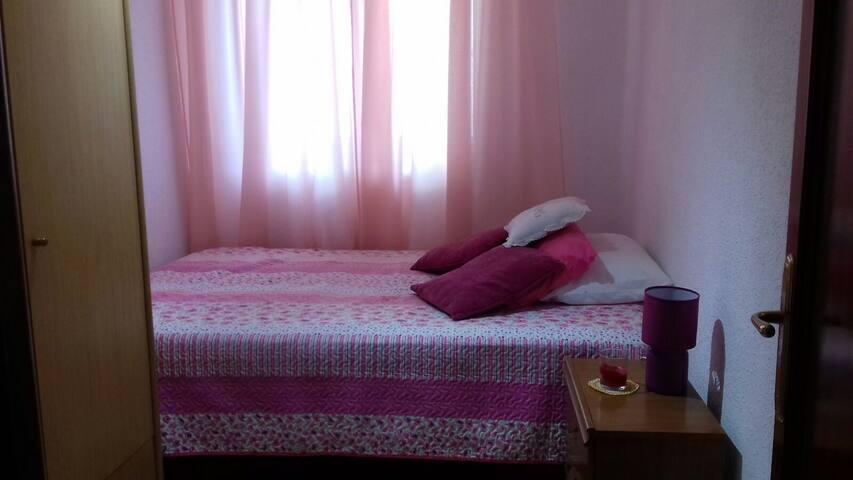 Habitación  con cama de matrimonio-double bed - Málaga - Appartement
