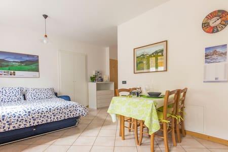 "Holiday apartment ""Balestruccio"" - Nomi - Lägenhet"
