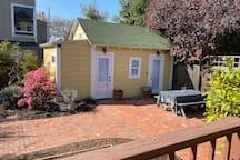 Charming West Berkeley Garden Cottage