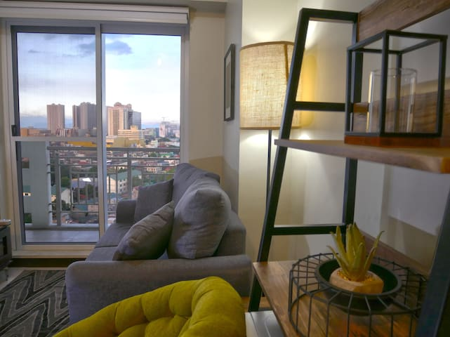 Quezon City 1BR unit w/ Netflix & fast fiber wifi