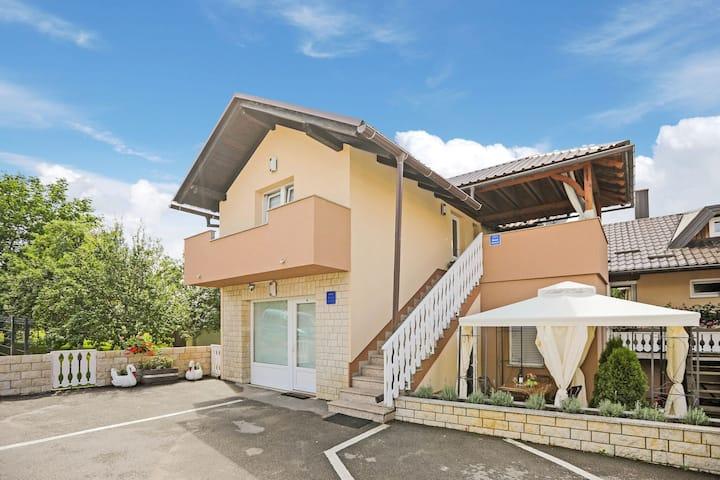 Pretty Apartment in Otočac near River