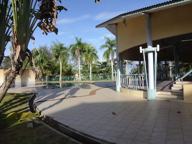 Melinsung Summer Bay Apartment, just by seaside! - Papar - Daire