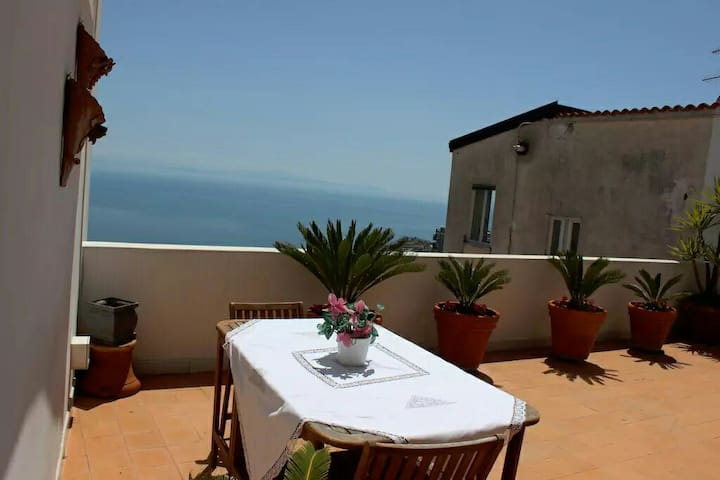 Sea view studio in Ravello - Ravello - House