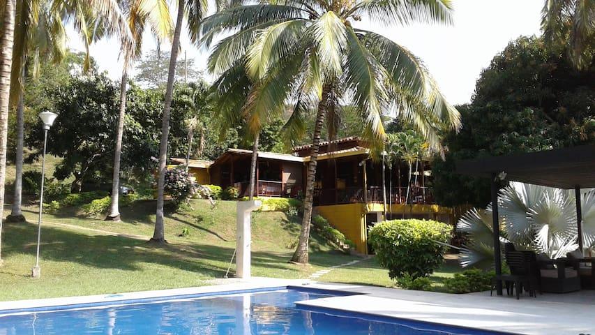 Finca en Santa Fe de Antioquia - Santafé de Antioquia - Allotjament sostenible a la natura
