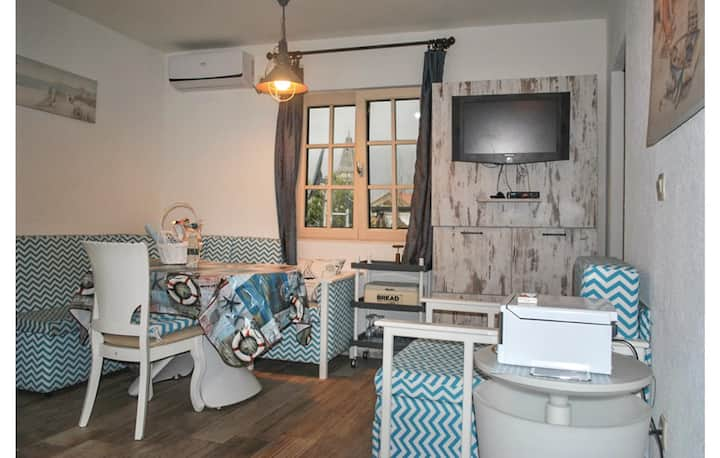 Holiday cottage with 2 bedrooms on 60m² in Perast