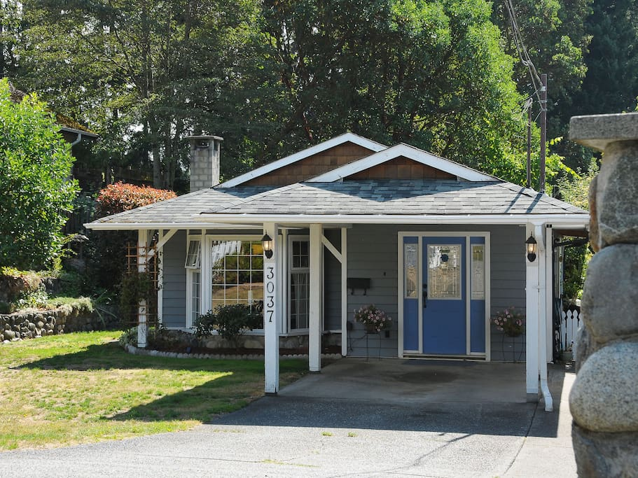 Covered Carport and plenty of parking!