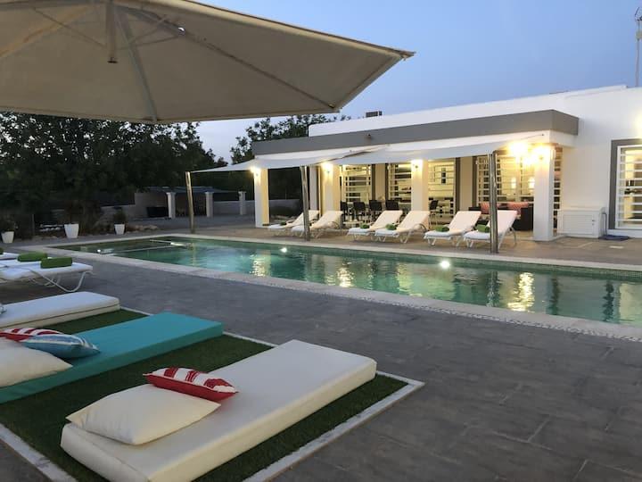 Beautiful villa in the countryside , San Antonio