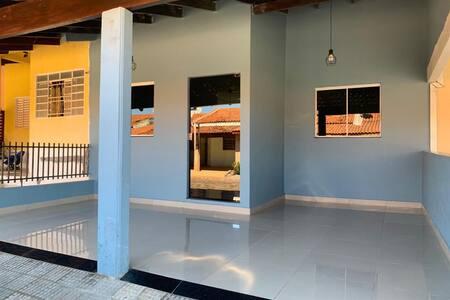 Casa Cuiabá próx. Centro Político Administrativo