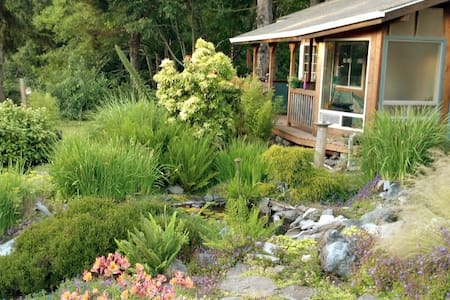 Windsong Garden Cottage - Gold Beach - Stuga