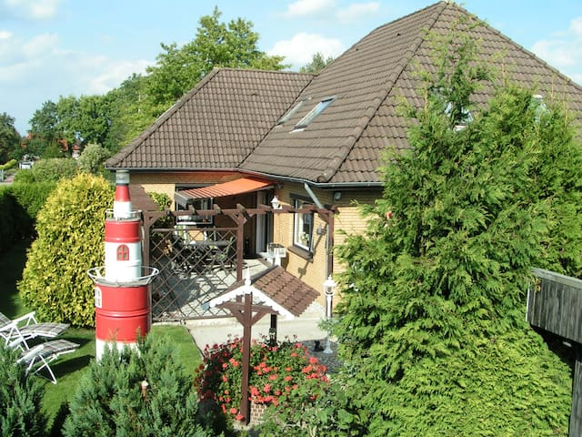 """FeWo """"Leuchtturm"""" vier Sterne DTV"""