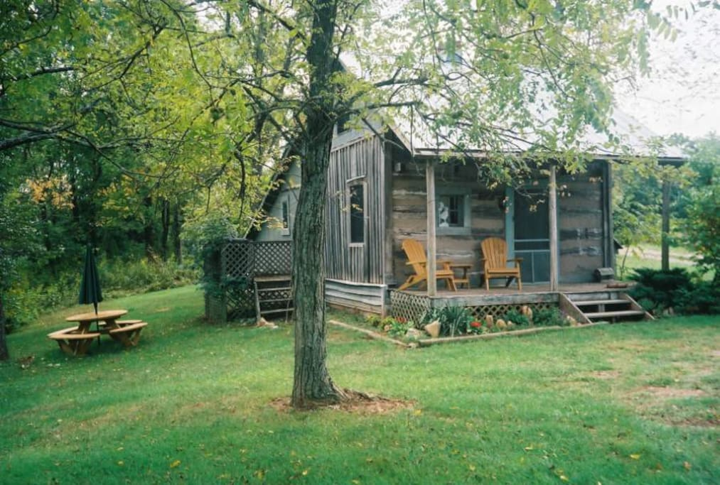 Writer 39 s retreat on shenandoah farm cabins for rent in for Writers retreat cabin