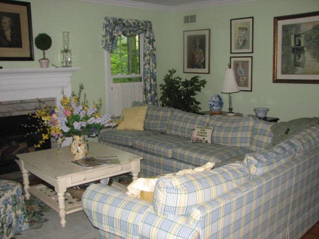 Queen BR w private bath in  B&B  - Ithaca - Bed & Breakfast