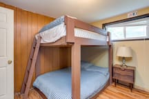 Indoor heated pool and Sauna, 8bdrm sleep20