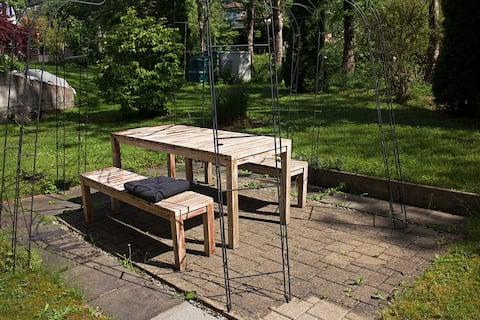 Ruhiges Zimmer mit eigenem Gartensitzplatz