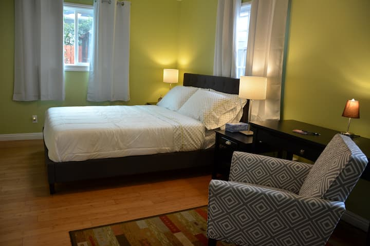 Elegant Cozy Guest House in Very Safe & Quiet Area