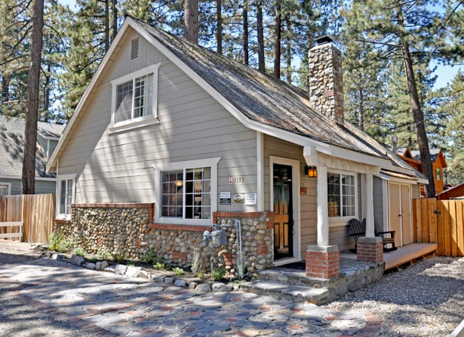 Updated tahoe cabin 1 bl to lake cabins for rent in for Cabin rental tahoe