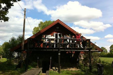 Vault & Attic - Vetlanda - Blockhütte
