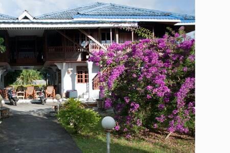 appartement aan kust Noord Sulawesi
