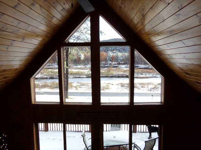 2 BDRM Loft PLUS Main Home Access - Northville - Haus