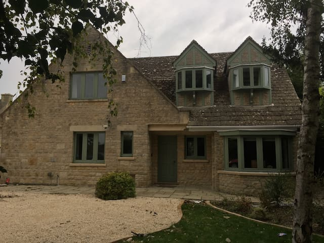 Oxfordshire Country Cottage