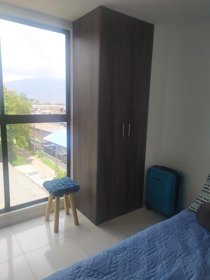 Habitación privada, acceso rápido al centro