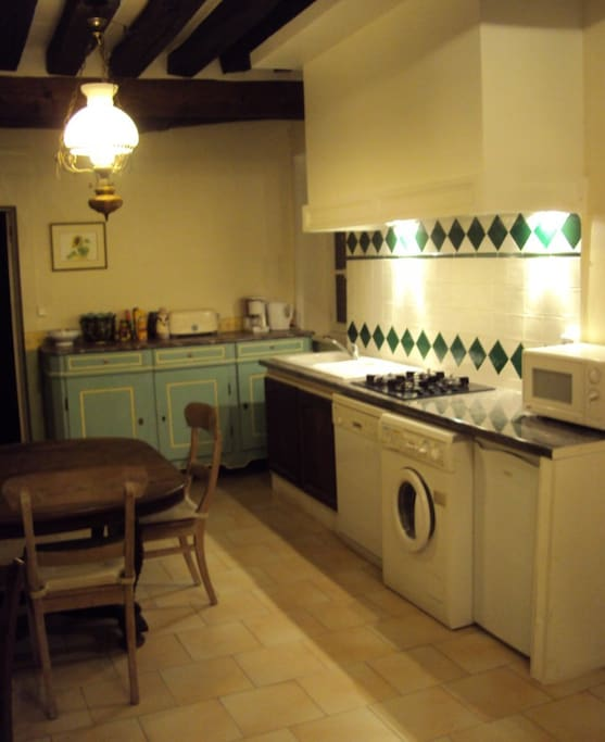 Maison enti re au calme cottages for rent in meung sur for Cuisine entiere