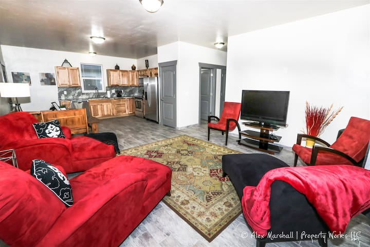 ✯FREE NIGHT!!✯  Stylish Duplex w/Garage!