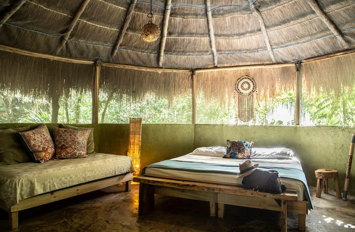 Jungle Eco Lodge #1 - Mayan Fam Cabana (3 Beds)