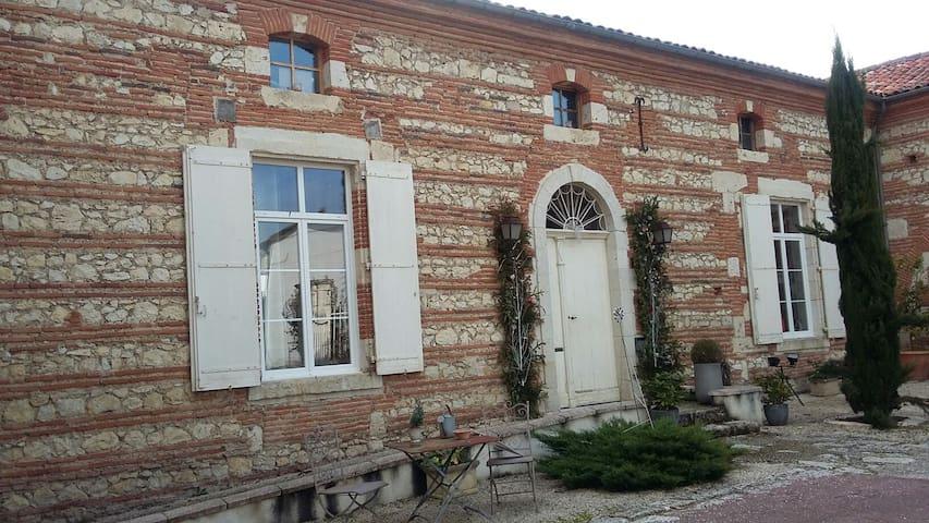 Chambres et demeure de charme - Boé - Ev