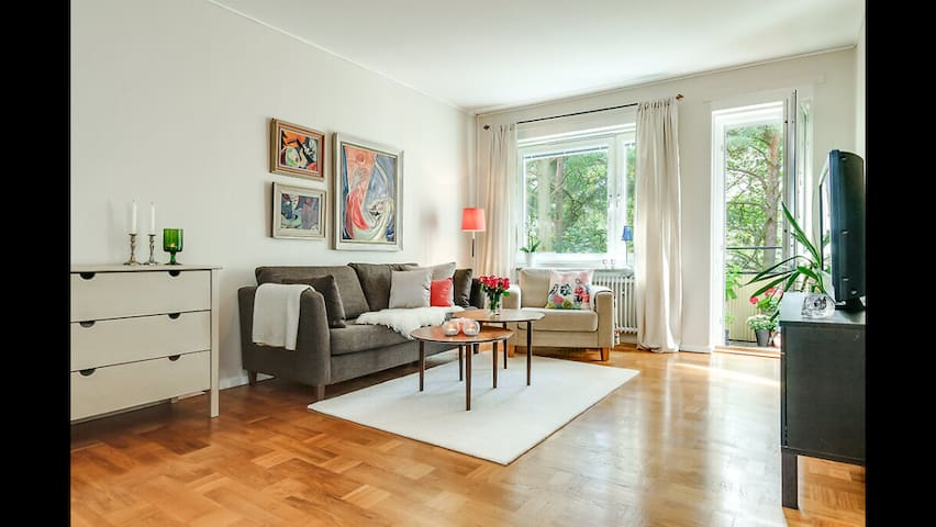 A beautiful and spacious place - Stockholm - Leilighet