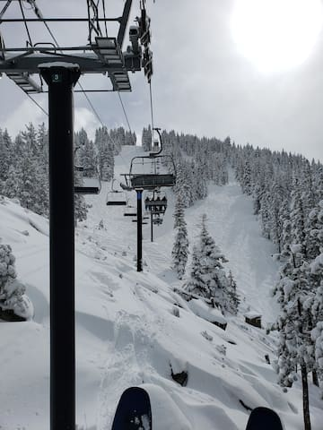 Going up the Lakeview Lift at Diamond Peak