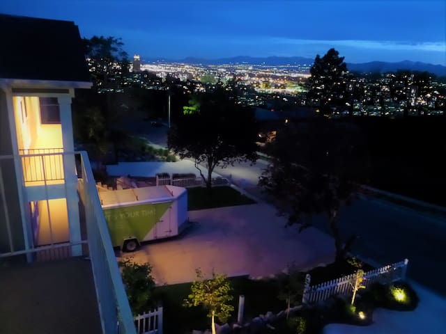 This place has fabulous views!  Gorgeous lights at night and beautiful views of the city and the mountains during the day.  Great place to relax.