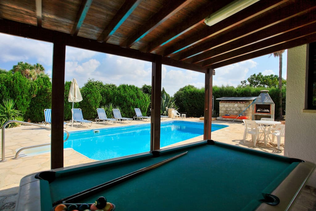 Pool table and pool area