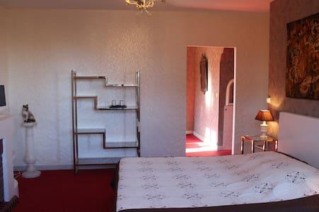 Suite Porte d'Aude (Vu sur cité médiévale) - Carcassonne - Bed & Breakfast