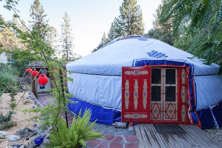 Mongolian Yurt in the Gold Country - Colfax - Rundzelt