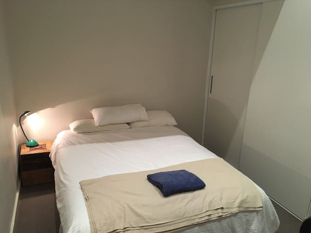 Bicton room - easy city/freo access - Bicton - Apartment