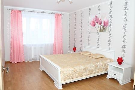 """2-х комнатные уютные апартаменты """" На Гоголя """" - Brest"""