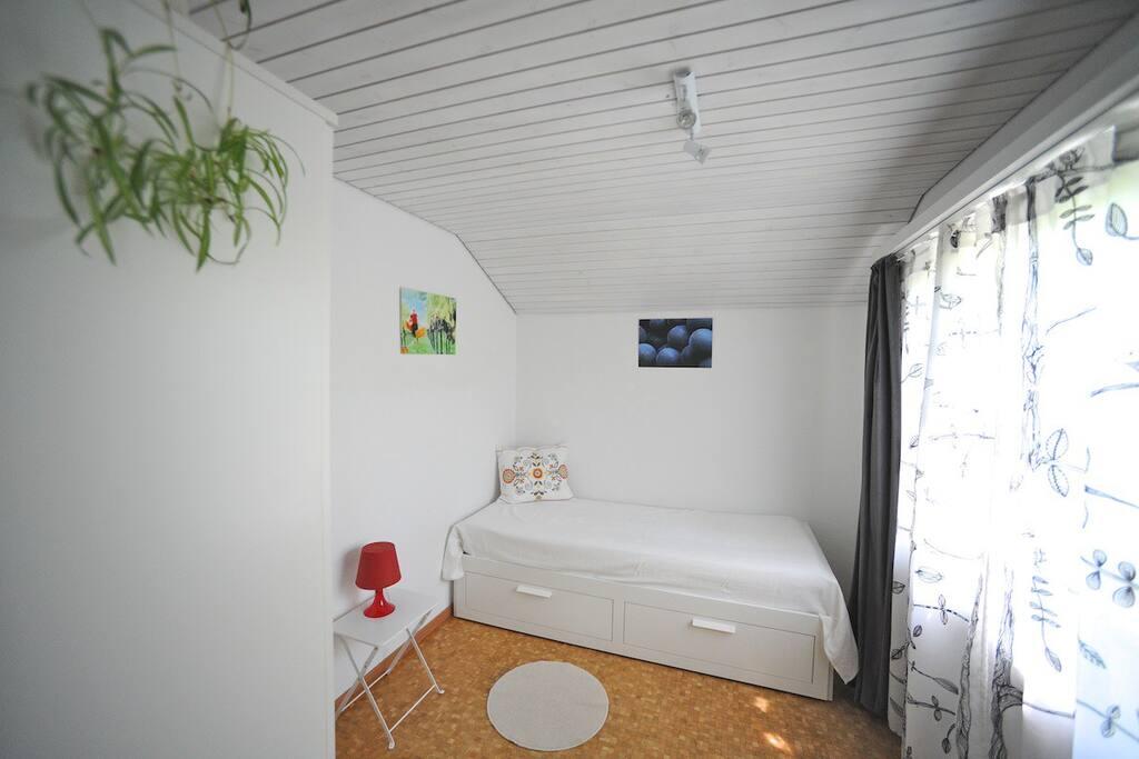 Schmuckes kleines Zimmer (Schlafzimmer 3)