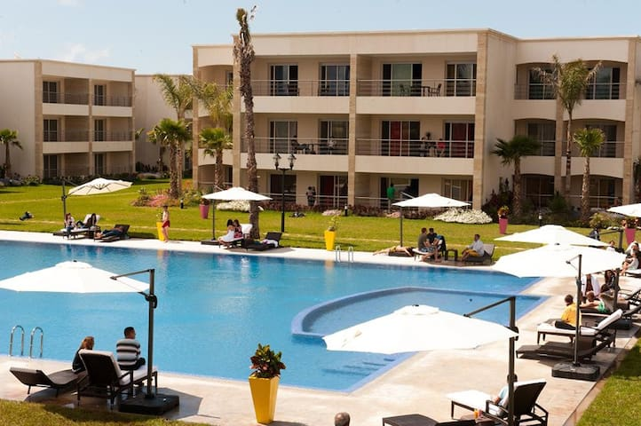 Appartement avec piscines et plage - Sidi Rahal - Daire