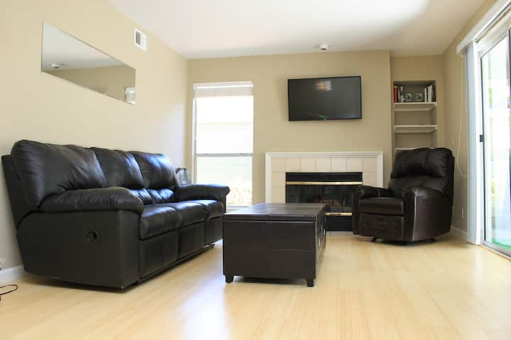 Fully equipped 3 bedroom home (Long term discount)