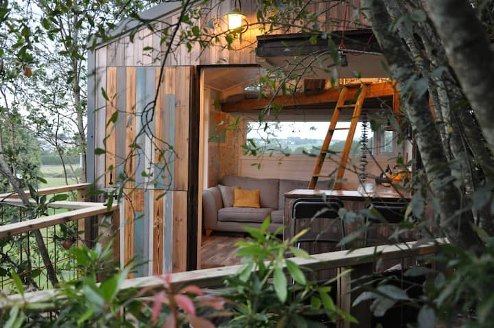 The Hideout, Romantic Tree House getaway Wexford