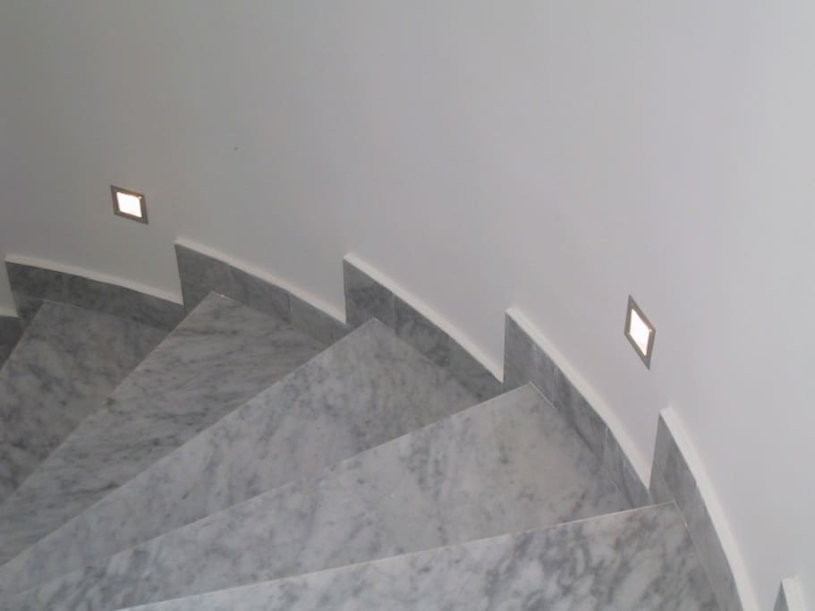 scale - stairs